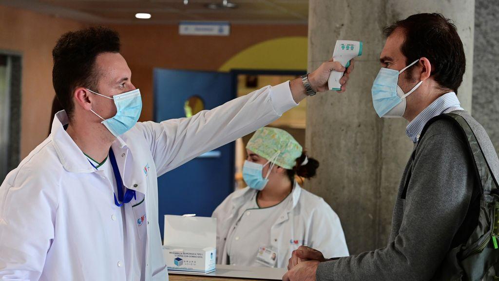 Madrid notifica una subida a 21 muertos y 2.912 casos de coronavirus en la última jornada