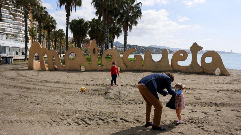 """Andalucía afirma que no hay """"contagios comunitarios activos"""" en Málaga para su confinamiento"""