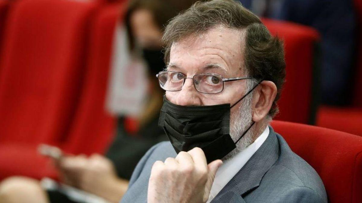 Un informe de la policía vincula con el espionaje a Bárcenas a Rajoy