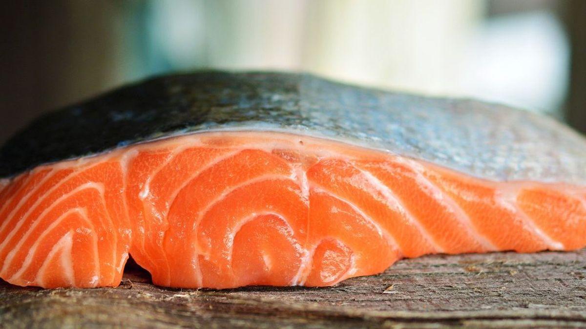 Un estudio revela que el coronavirus puede sobrevivir en el salmón refrigerado más de una semana