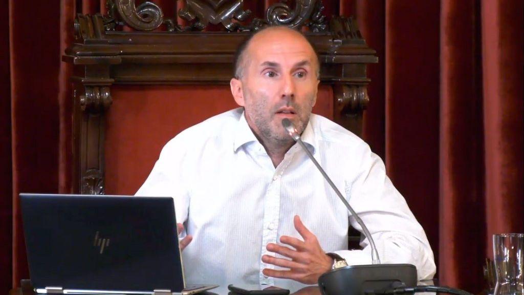 """Lío en el ayuntamiento de Ourense: el alcalde acusa a sus socios del PP de intentar dar """"un golpe de estado"""""""