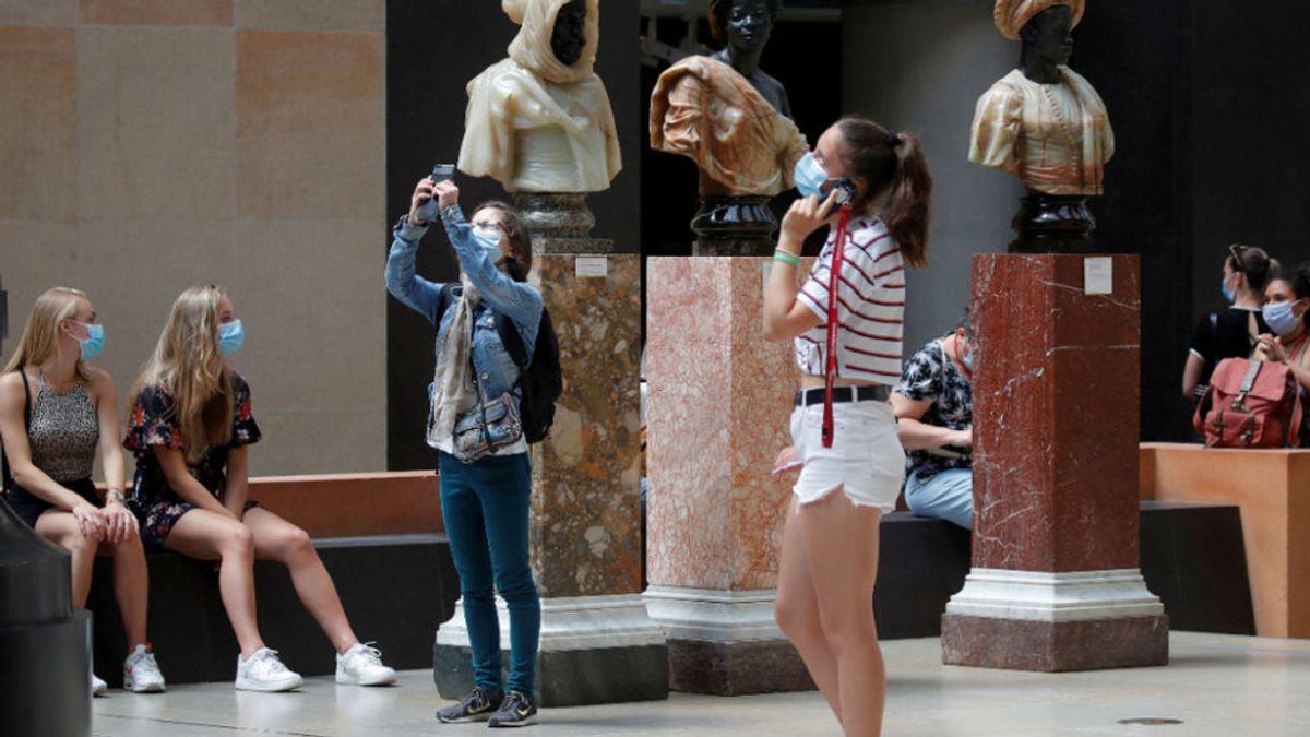 Prohíben la entrada a una mujer en el Museo d'Orsay por llevar demasiado escote