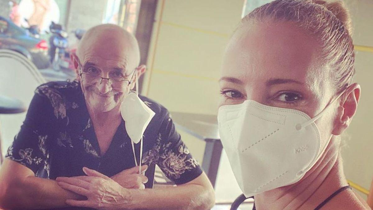 """Paula Vázquez, el gran apoyo de su padre en su lucha contra el cáncer de pulmón: """"Estamos más cerca del final"""""""