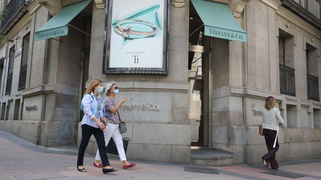 Louis Vuitton y Tiffany cruzan demandas por la compra fallida, con Macron como excusa