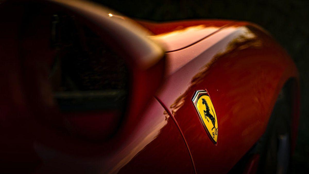 Los famosos y sus coches de lujo: Ferrari, Aston Martin, Lamborghini…