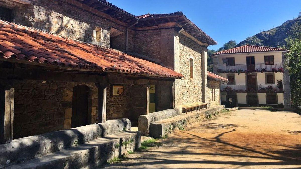 """San Roque de Riomiera, """"el pueblo fantasma"""" que en una semana ha pasado de los cero casos al autoconfinamiento"""