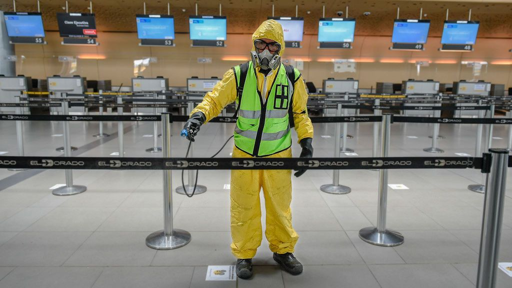 Un hombre muere por coronavirus tras pasar correctamente los controles sanitarios en dos aeropuertos