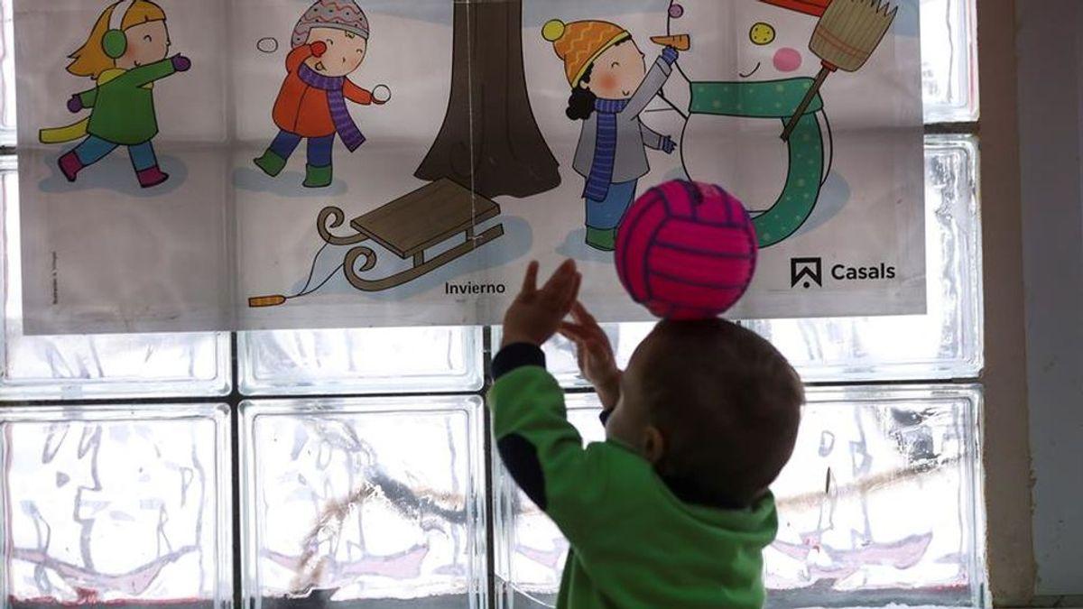 El Ayuntamiento de Madrid mandará a un cuidador a casa de los niños en cuarentena con padres que trabajen