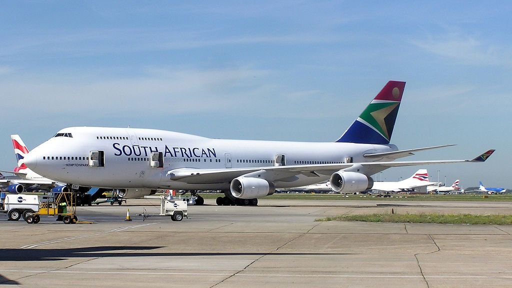 South.african.b747-400.zs-sax.arp