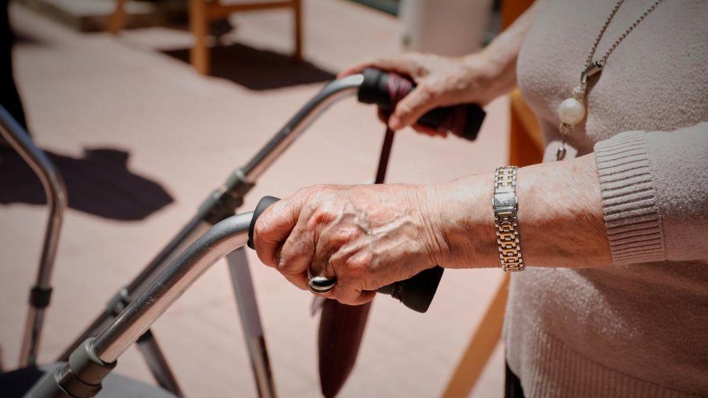 La segunda ola del  Covid afecta ya a casi un centenar de residencias en Andalucía