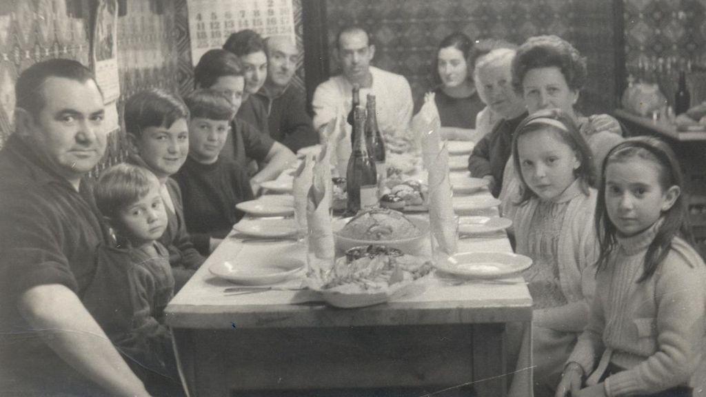 Mesa familiar en el Bodegón Alejandro
