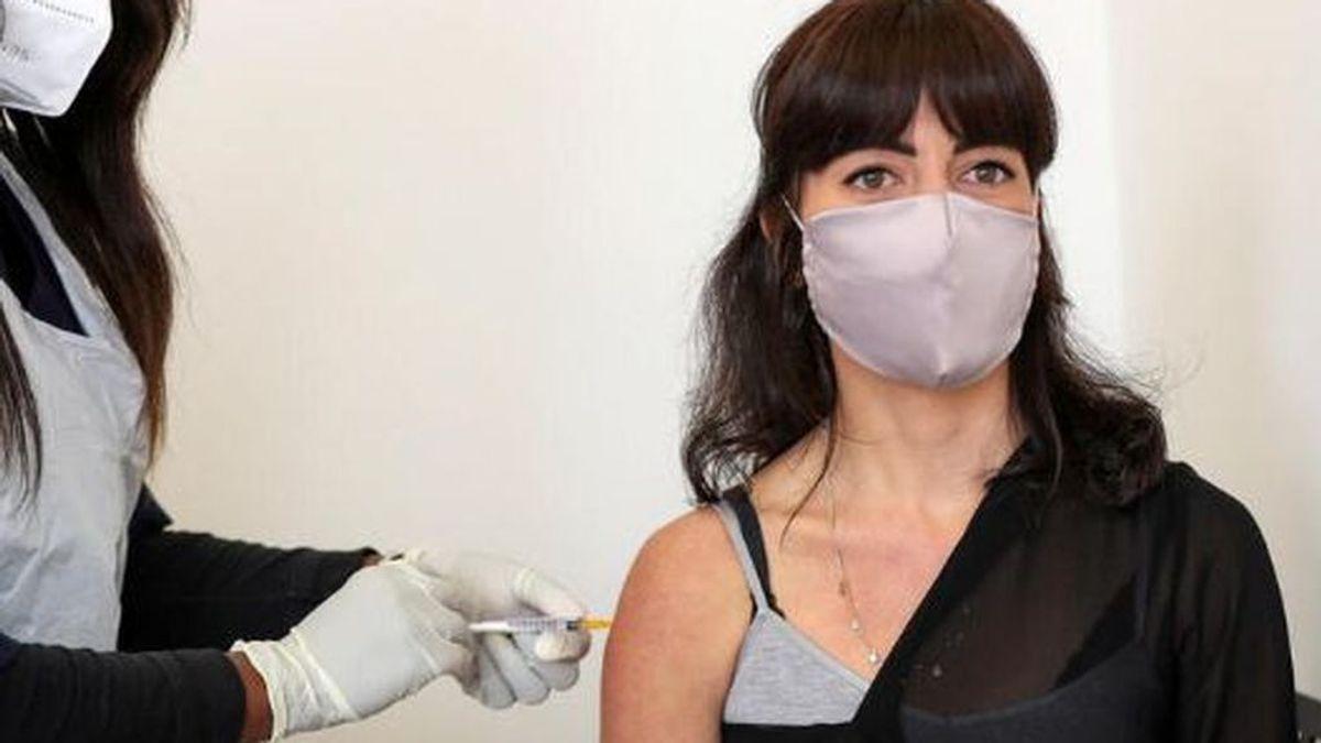 Un voluntario  que recibió la vacuna de AstraSeneca cuenta que sufrió fiebre de más de 39º  y apenas podía moverse