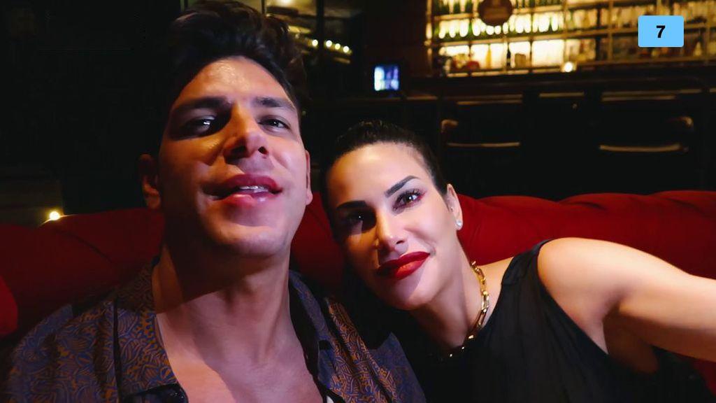 Diego Matamoros vuelve a Ibiza con Carla Barber y le hace una declaración de amor (1/2)