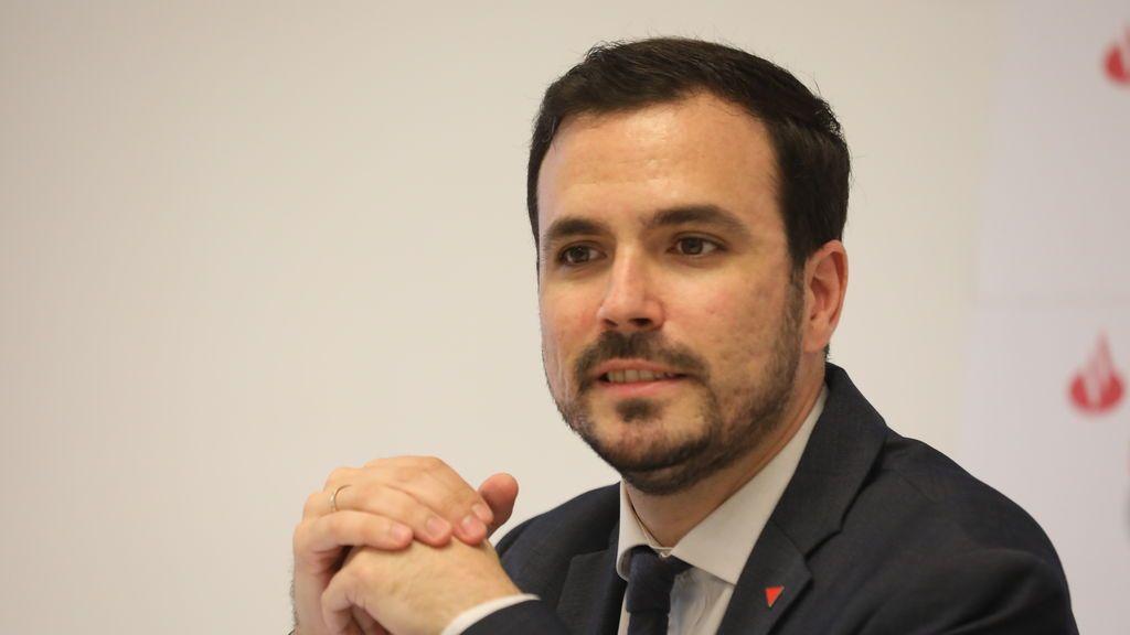 """Garzón califica de """"error garrafal"""" la congelación salarial de los funcionarios contemplada por Calviño"""