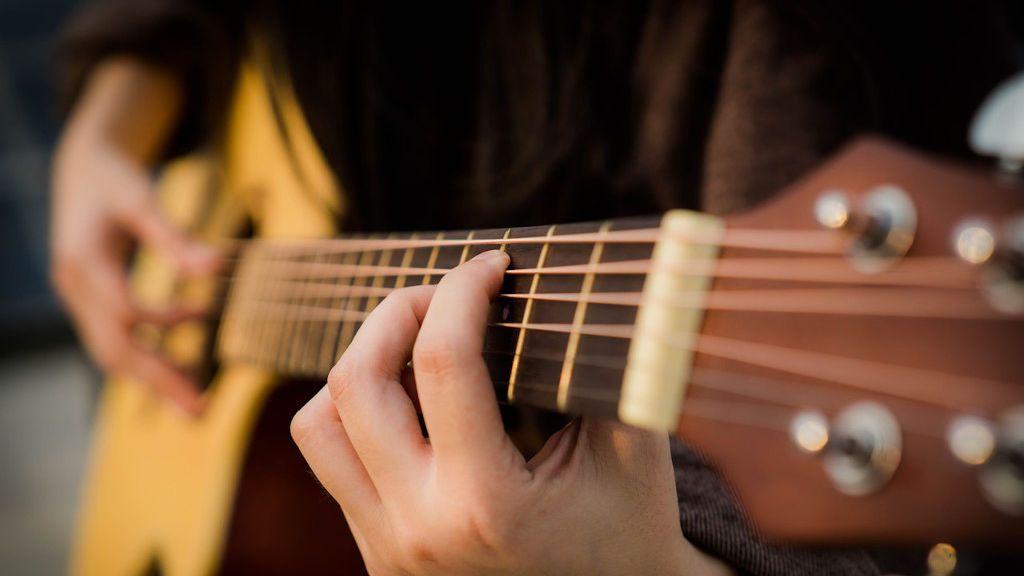 Mantén tu guitarra limpia para sacarle el máximo partido a su sonido