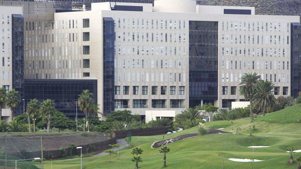Canarias: cuatro de cada diez camas de UCI están ocupadas