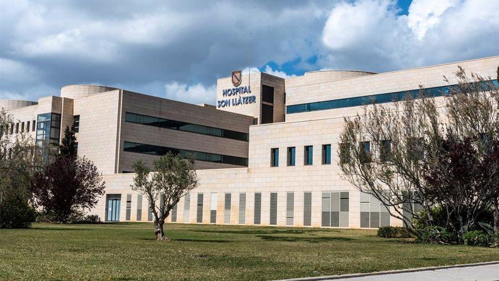 Cierran la planta de un hospital de Palma de Mallorca por un brote con 26 contagiados