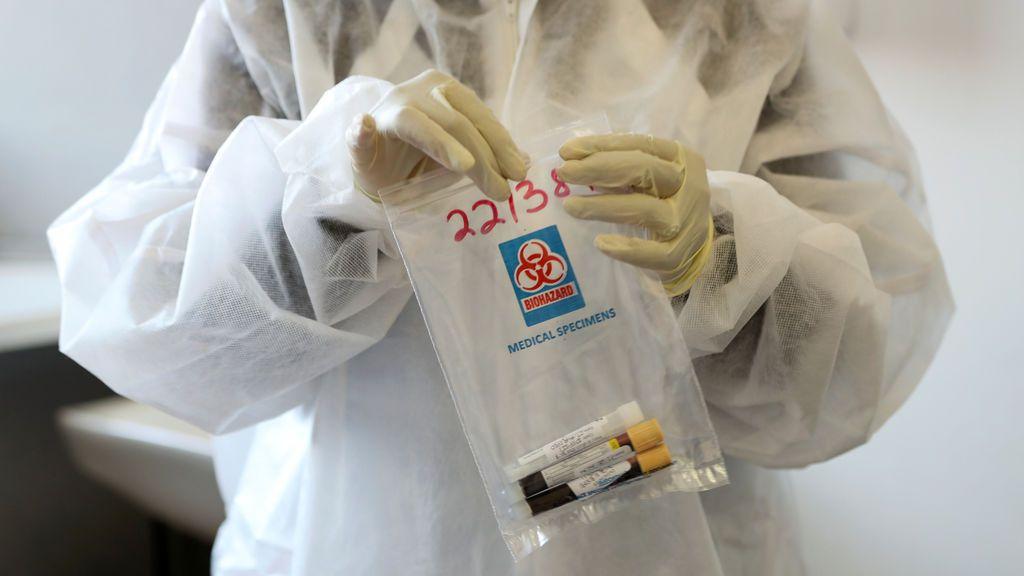 Explican los mecanismos de seguridad que protegen a los voluntarios en ensayos de vacunas