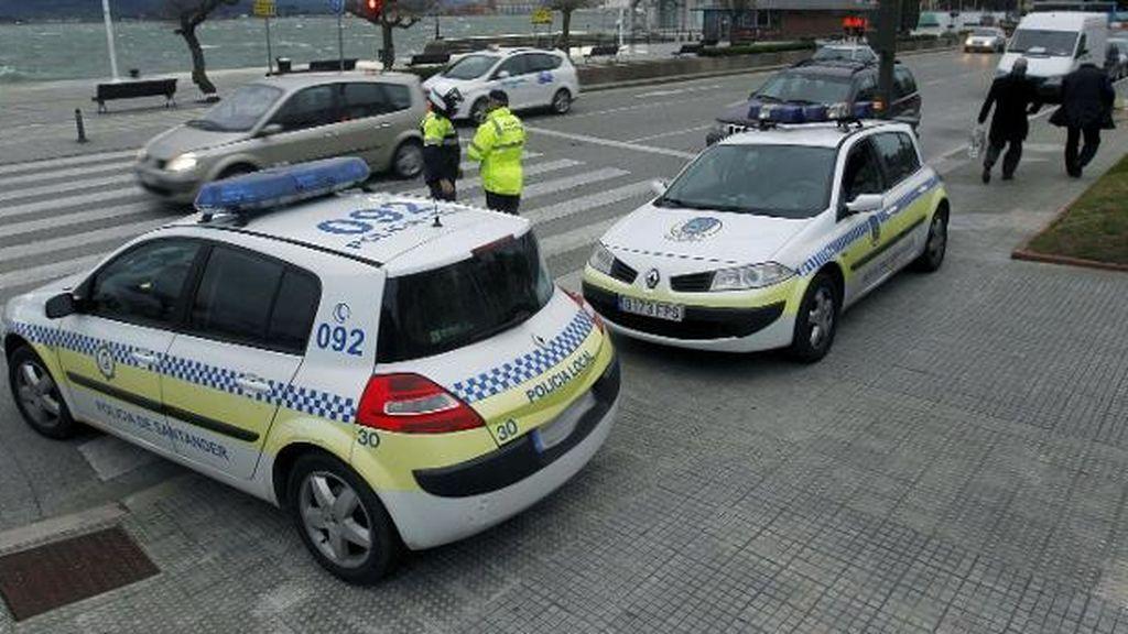 Arrestado por saltarse un control de la policía dentro del cordón sanitario en Torrelavega