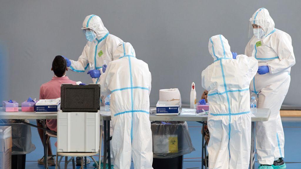 Cataluña notifica 1.303 nuevos casos y nueve muertes por coronavirus en el último día