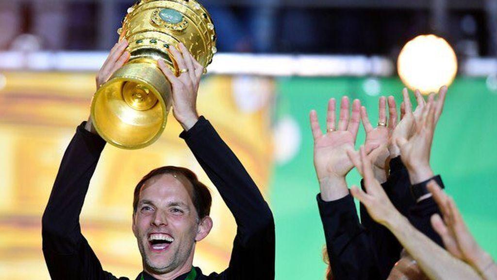 Thomas Tuchel celebrando un título con el Borussia Dortmund