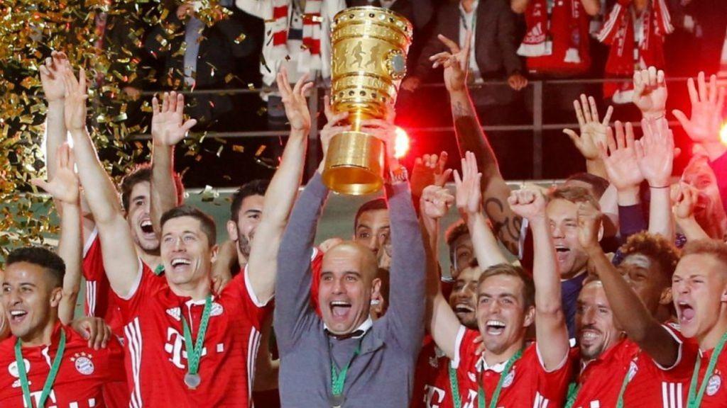 Pep Guardiola celebrando un título con el Bayern