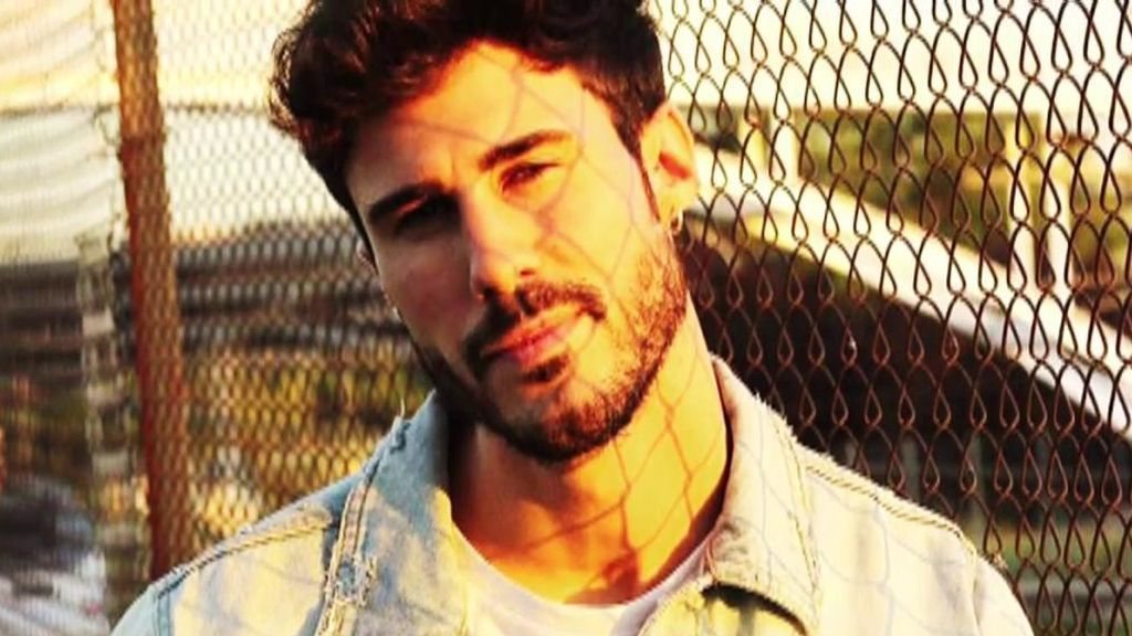 Álex Bernardos, un tronista enamoradizo e íntimo amigo de Oriana