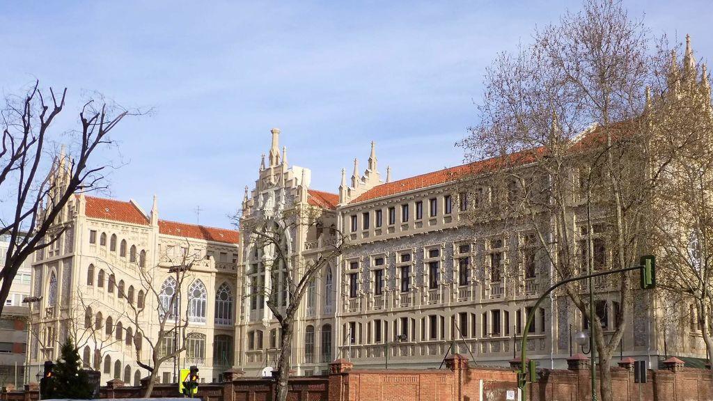 El Colegio Santa María del Pilar estudiaron grandes políticos de nuestro país.