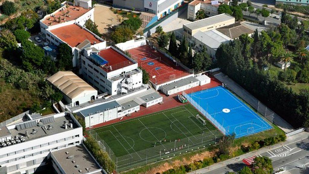 Los hijos de Shakira y Piqué estudian en el American School of Barcelona.