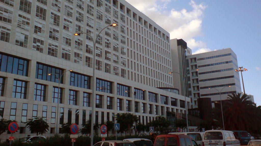 Limitan los ingresos en la planta de paliativos del hospital de Gran Canaria por un brote con siete contagiados