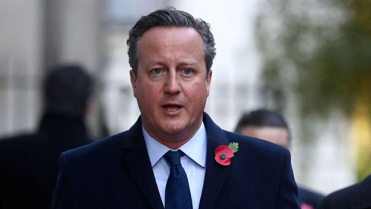 """Cameron se suma a los ex primeros ministros con """"dudas"""" sobre el plan de Johnson"""