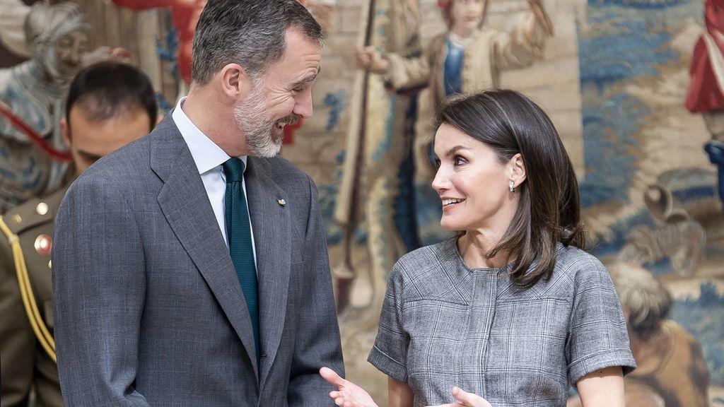 Al rey lo que es del rey, y a la reina, también: los errores de protocolo de Letizia