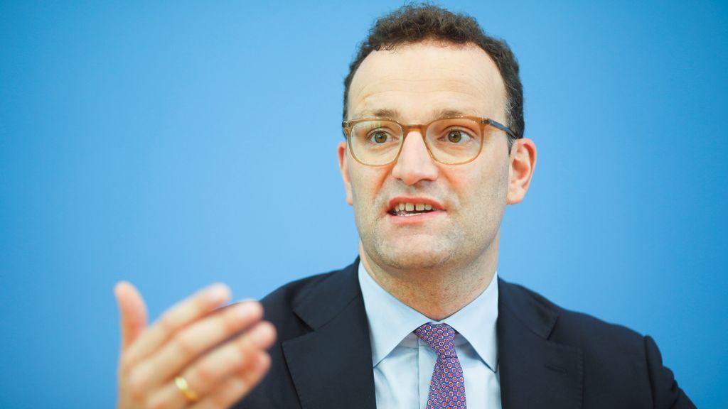 """Jens Spahn, ministro de Sanidad alemán: """"La situación en España me preocupa"""""""