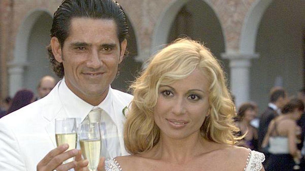 Fue al principio del 2000 cuando conoció al publicista Jesús Cabanas.