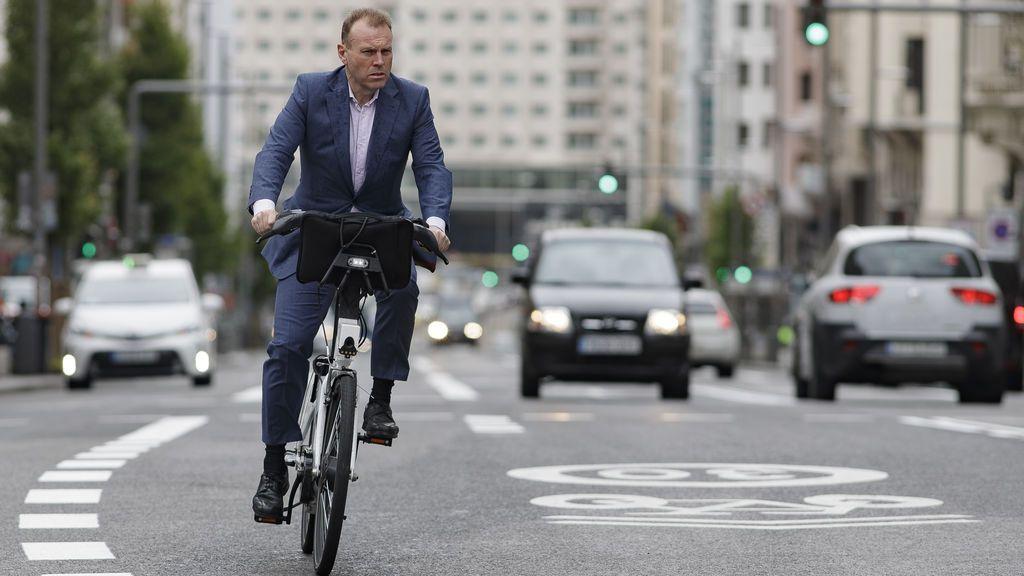 Los españoles apuestan por la bicicleta para ir al trabajo: el 34 % de los ciclistas habituales tiene entre 40 y 54 años