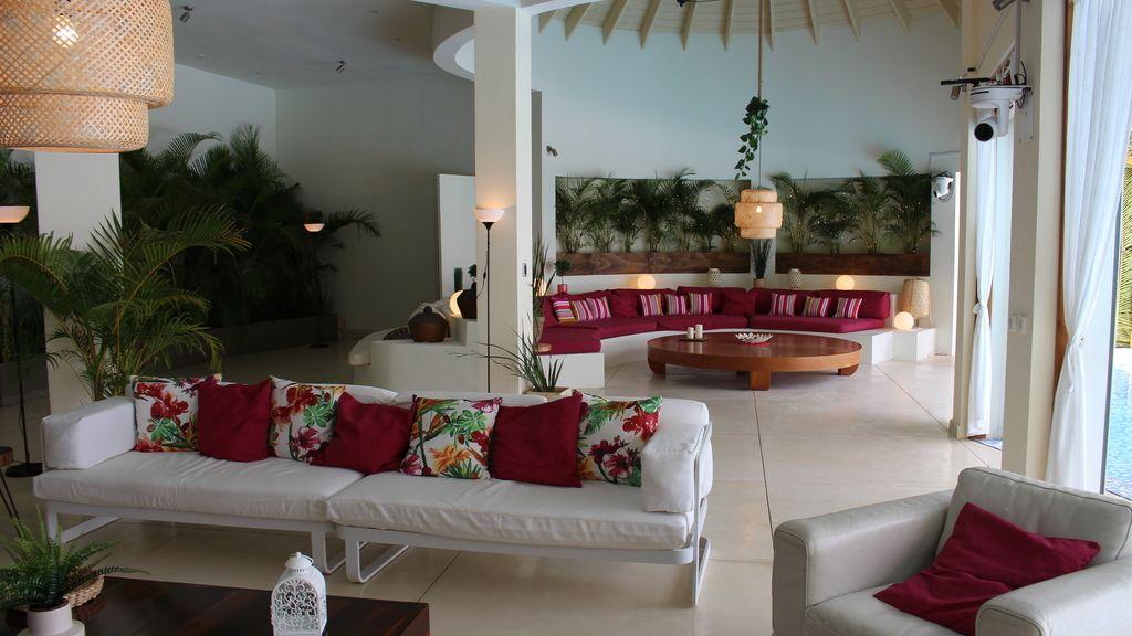 Así es Villa Playa: El lujoso alojamiento de las chicas