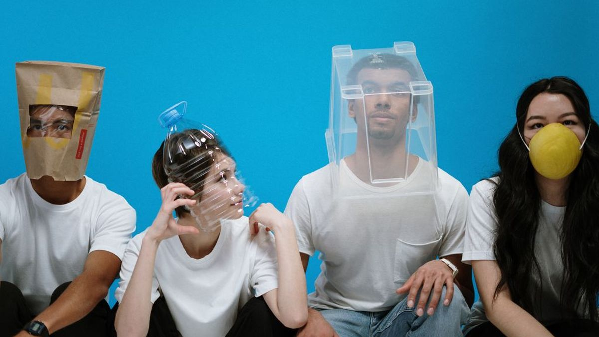 La tontuna de la mascarilla en la barbilla y el desarrollo cerebral