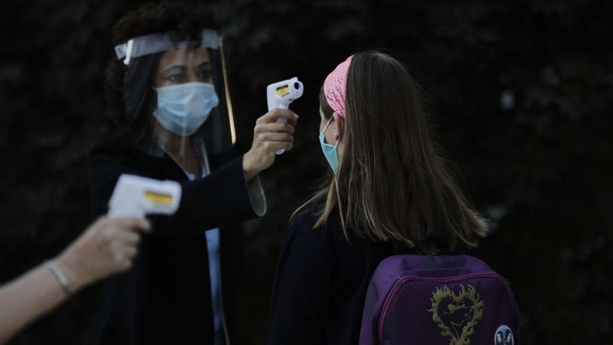 La guía que circula entre médicos y pediatras para tratar los casos de coronavirus en las aulas de los colegios