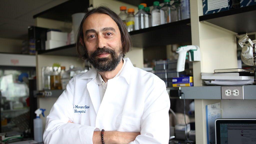 """Adolfo García-Sastre, virólogo: """"Aunque la vacuna sólo no sea efectiva al 100%, permitirá prescindir de las mascarillas"""""""