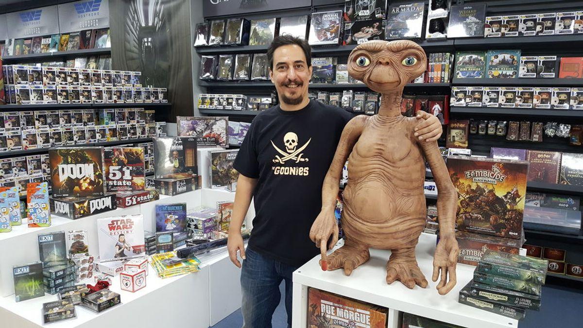 """El vendedor de cómics de Sevilla elegido por la revista Forbes: """"El cómic no es cosa de niños"""""""
