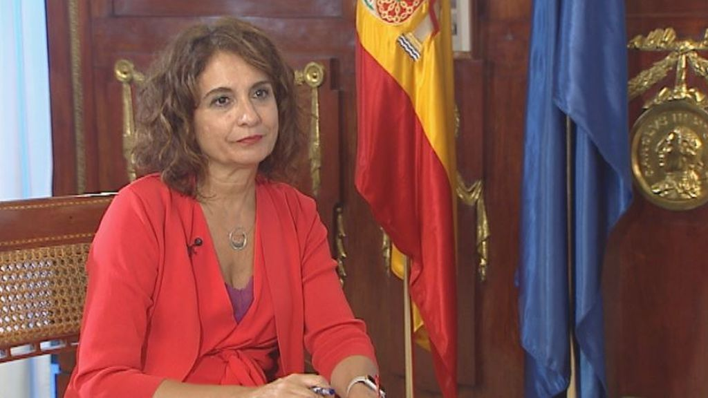 """Montero: """"No me molesta que Iglesias hable con otros partidos, pero los números los hace Hacienda"""""""
