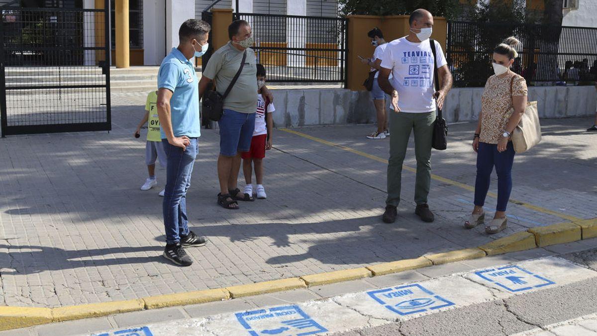 Los pictogramas en pasos  de peatones para personas con autismo: para, mira, coche parado y cruza