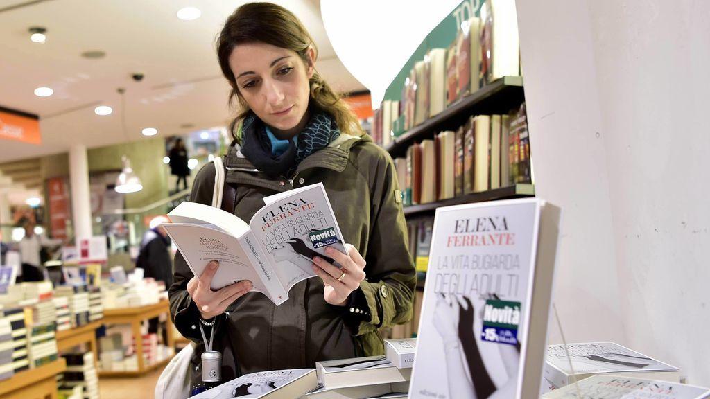 Elena Ferrante y su traductora: una historia de amor correspondido
