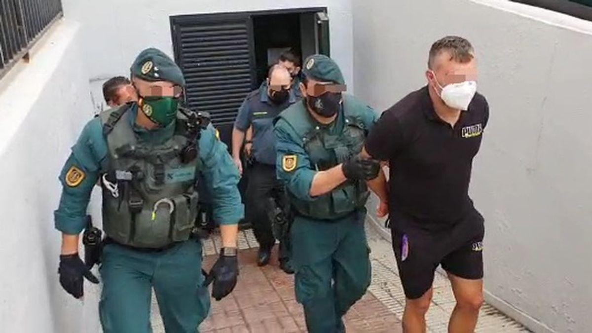 Y llegó el Castaña: Antonio Tejón espera en los juzgados de Algeciras a que se le tome declaración