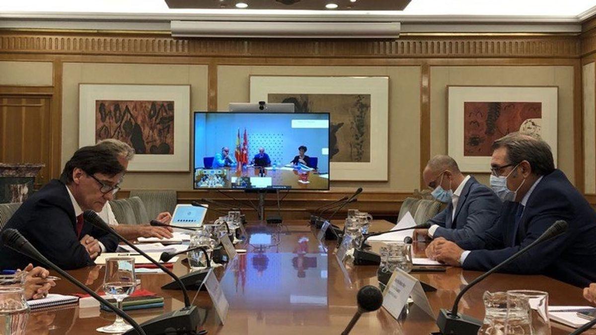 """Las presiones de Sanidad a Madrid: """"Las medidas cuanto antes y cuanto más contundentes, mejor"""""""