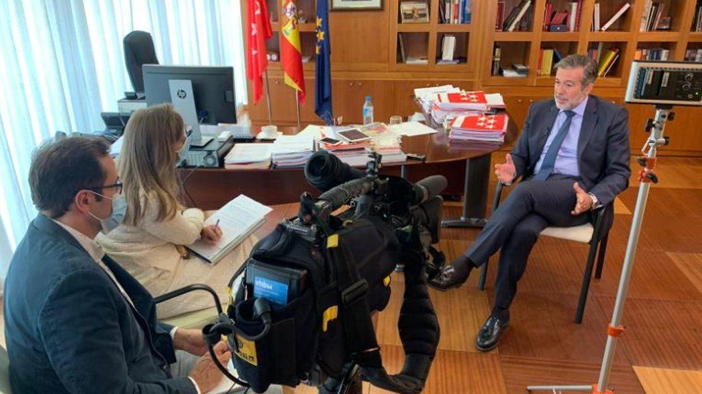 Enrique López, consejero de Justicia, Interior y Víctimas de Madrid, responde a las preguntas de NIUS