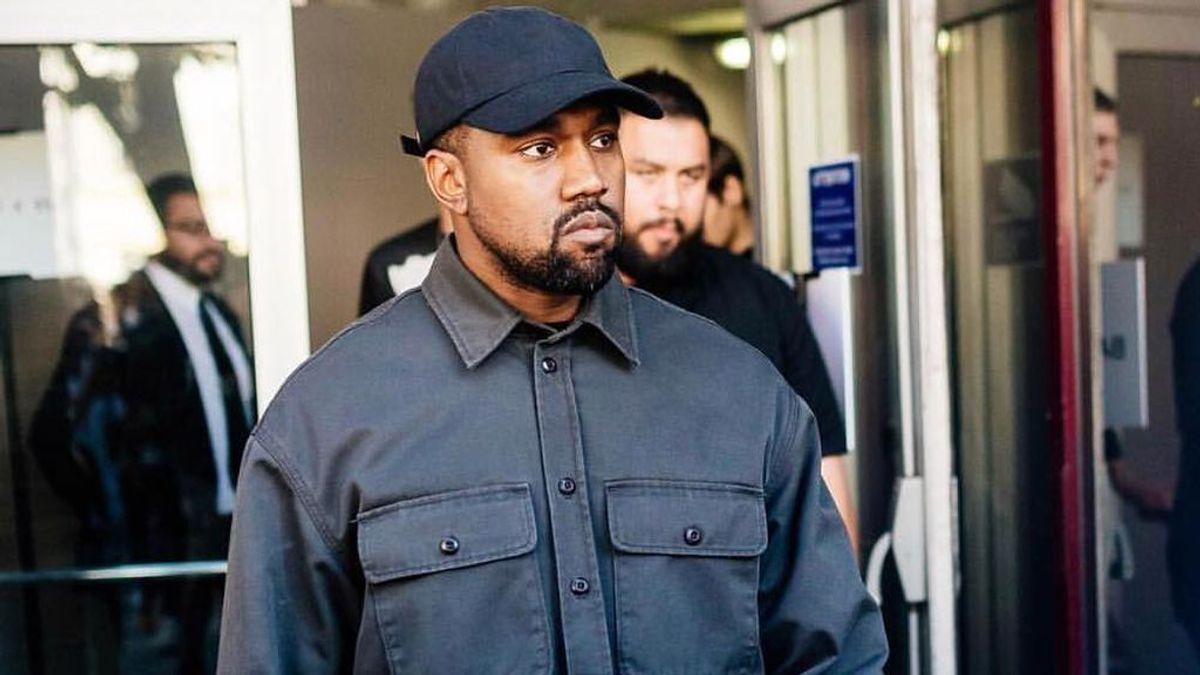 """Kanye West se graba orinando en uno de sus Grammy en plena disputa con sus discográficas: """"No me voy a detener"""""""
