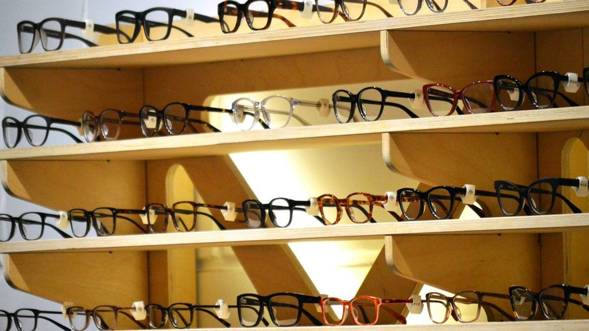 Un estudio sugiere que las personas que utilizan gafas pueden ser menos susceptibles al coronavirus