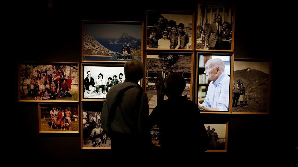 """La Biblioteca Nacional recorre la vida de Delibes en una exposición: """"un superventas de buena literatura"""""""