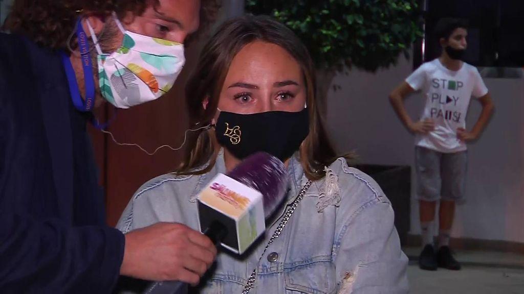 """Rocío Flores entra en directo, destrozada, para sacar la cara por su familia: """"La que me ha criado es Olga, le pese a quien le pese"""""""